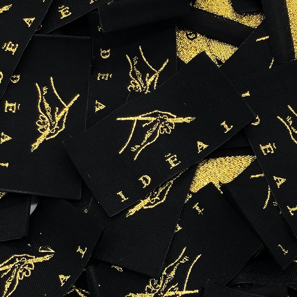 本格的なオリジナル刺繍タグ(織ネーム)制作例⑥